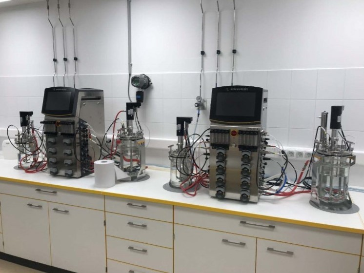 Biotech labor